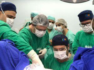 Hospital Beneficente Unimar faz cirurgia usando técnica inovadora