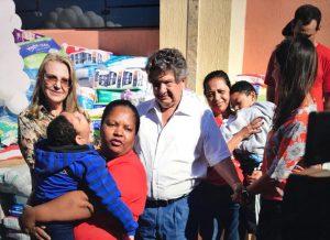 Funcionários da Dori doam 70 mil fraldas para o Projeto Amor de Criança