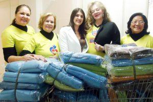 Fundo Social entrega cobertores para ABHU